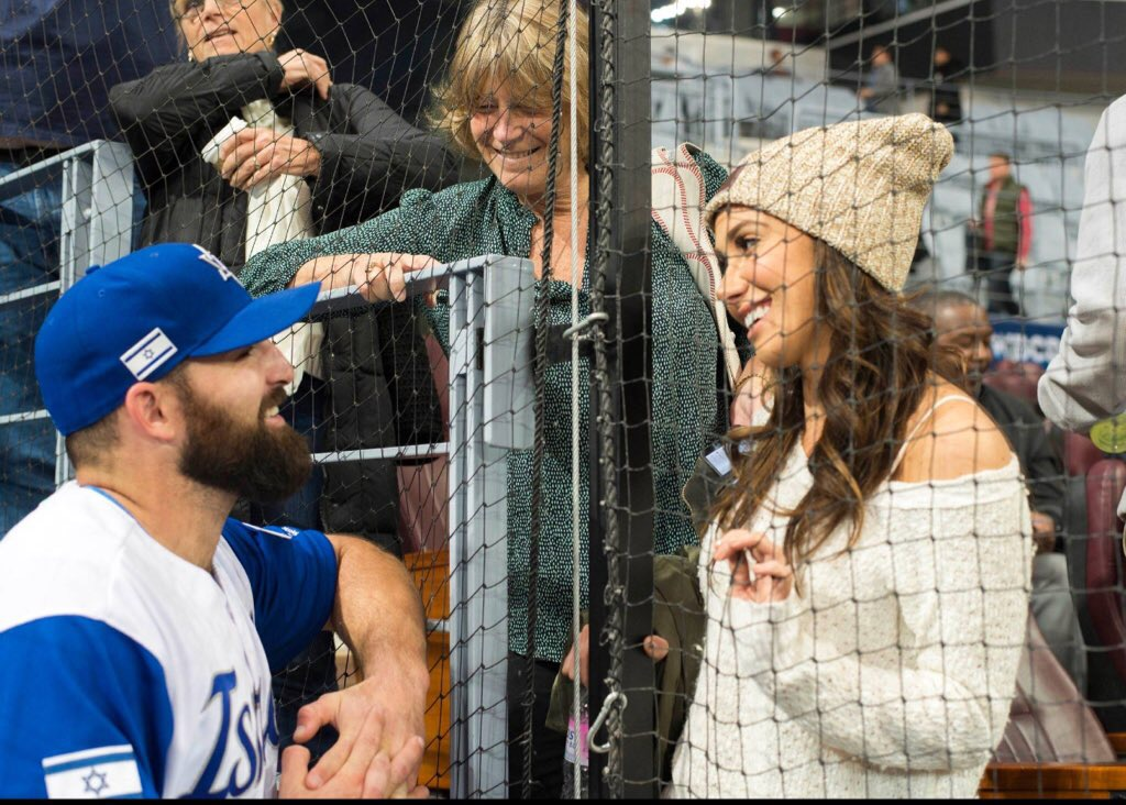 The Chihuahua's Cody Decker is Back-- And He's Fixin' to Stay
